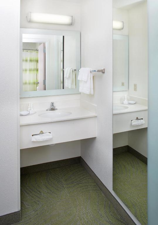Book Now Springhill Suites By Marriott Pittsburgh Airport (Pittsburgh, United States). Rooms Available for all budgets. The free internet flat-panel TVs and free breakfast are a few of the amenities that put the Springhill Suites by Marriott Pittsburgh Airport among the top-rated our lodgings i