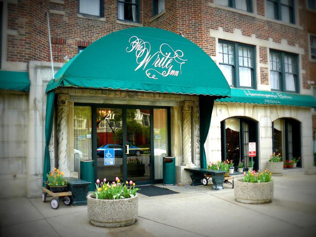 Write Inn Hotel Oak Park Illinois