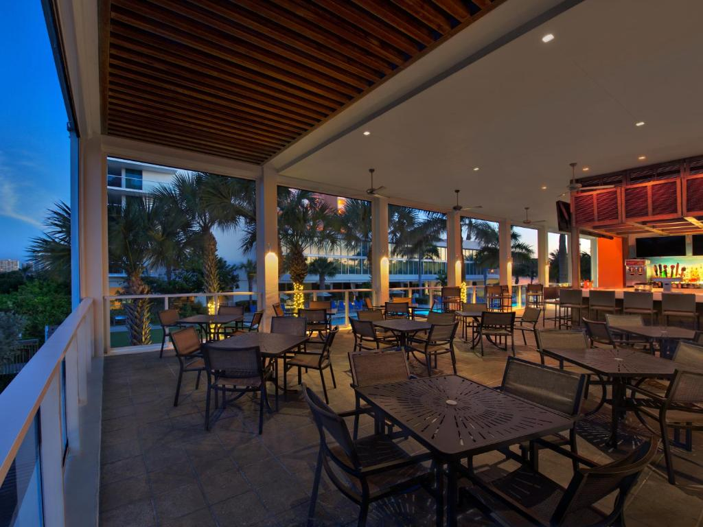 hotels in marco island with kitchen radisson suite resort on marco island marco island 8423