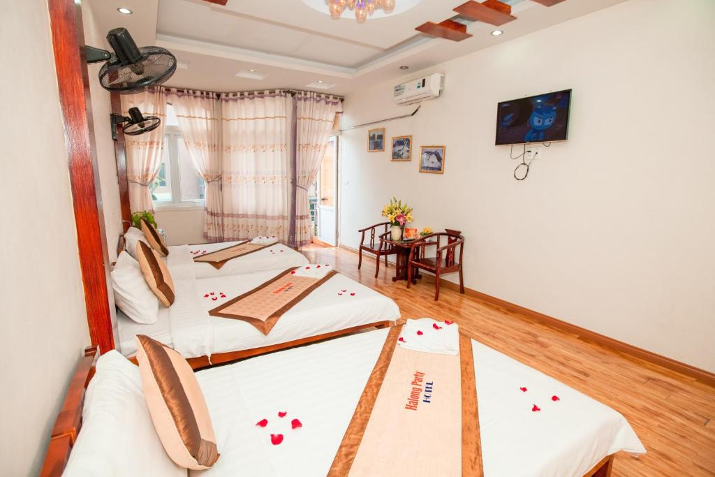 Halong Party Hostel