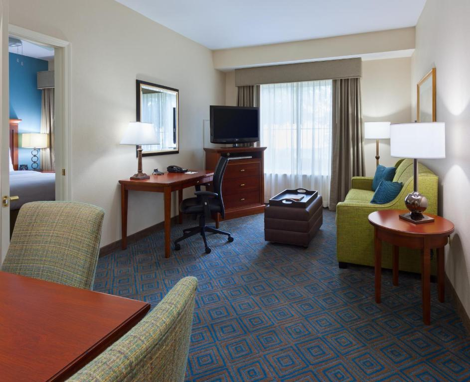 Red Roof Inn Plus+ Gainesville   Gainesville   Book Your Hotel With  ViaMichelin