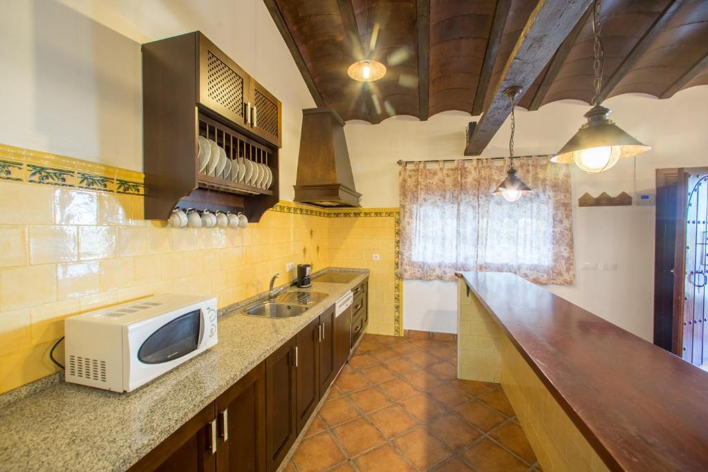 Three-Bedroom House - kitchen