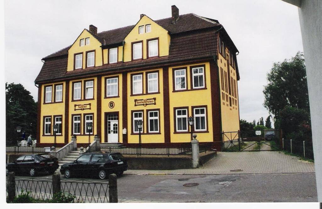 Hotel Gesellschaftshaus, 18528 Bergen auf Rügen