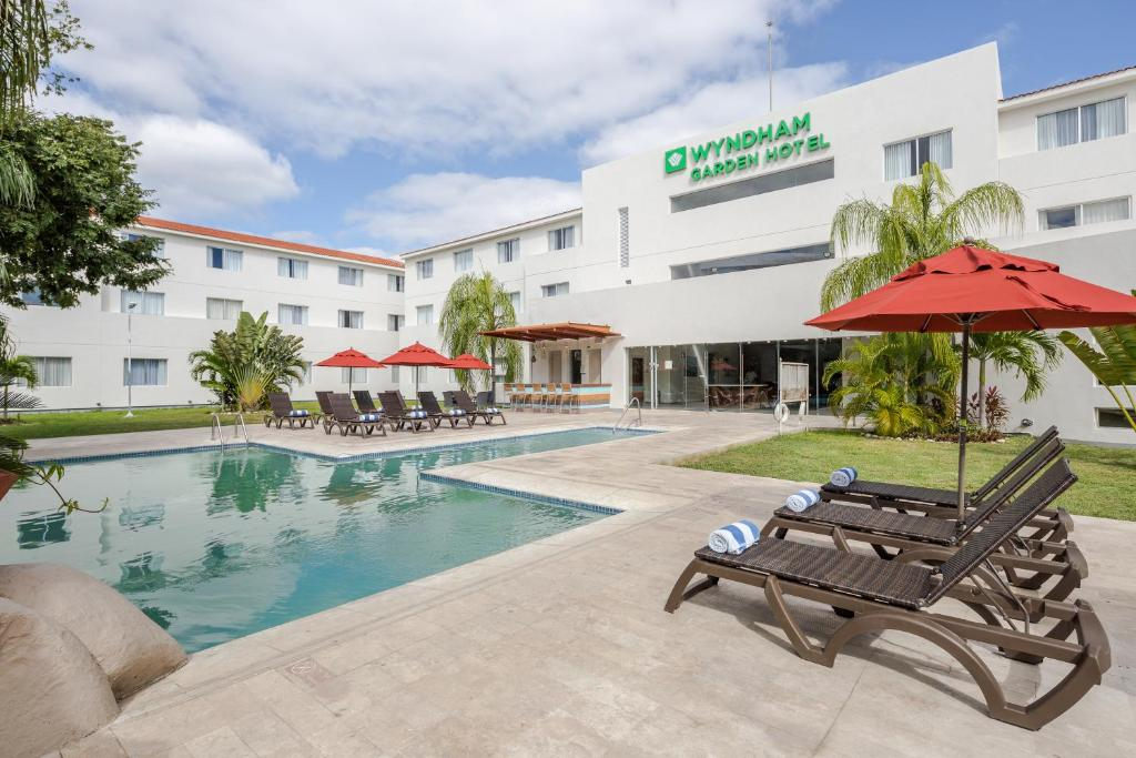 wyndham garden playa del carmen formerly holiday inn express playa del carmen - Windham Garden Inn