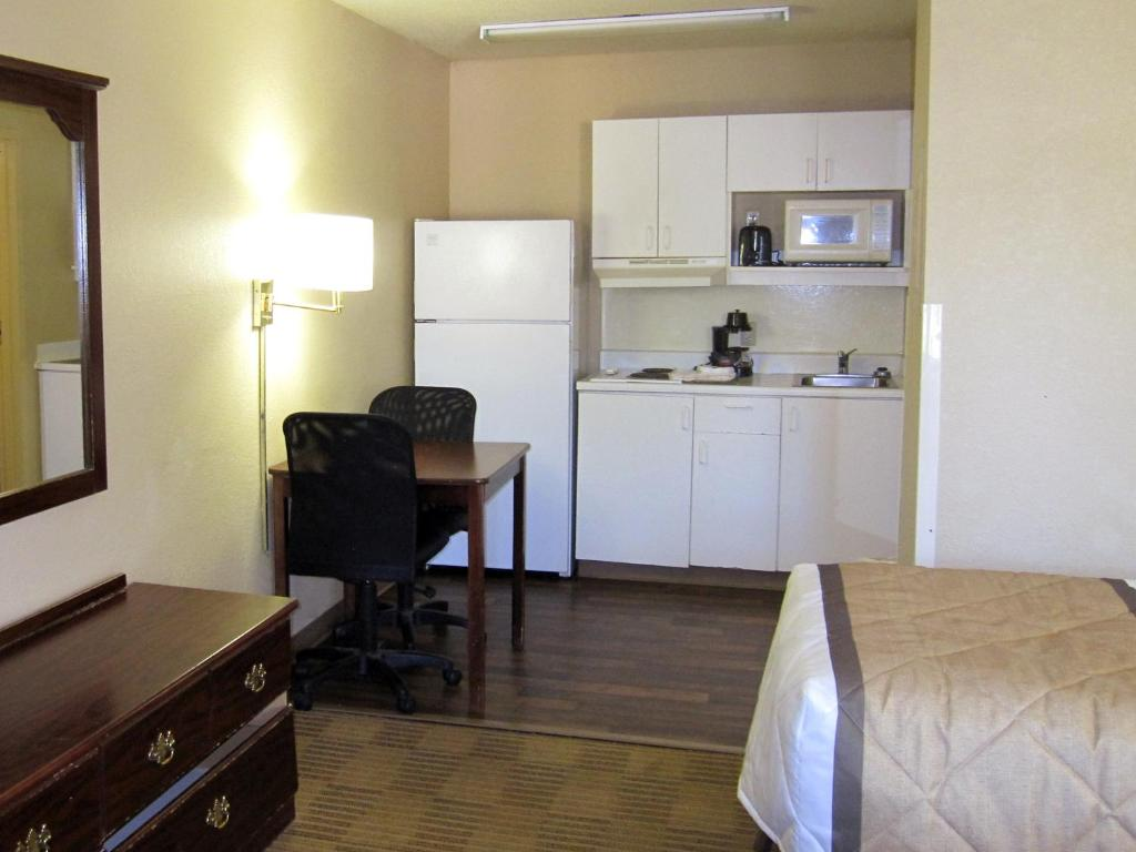 Book Now Extended Stay America - Nashville - Brentwood - South (Brentwood, United States). Rooms Available for all budgets. Our guests enjoy the convenience of in-room fully equipped kitchens and a central location at the pet-friendly residential-style Extended Stay America Nashville-Brentwood-Sout