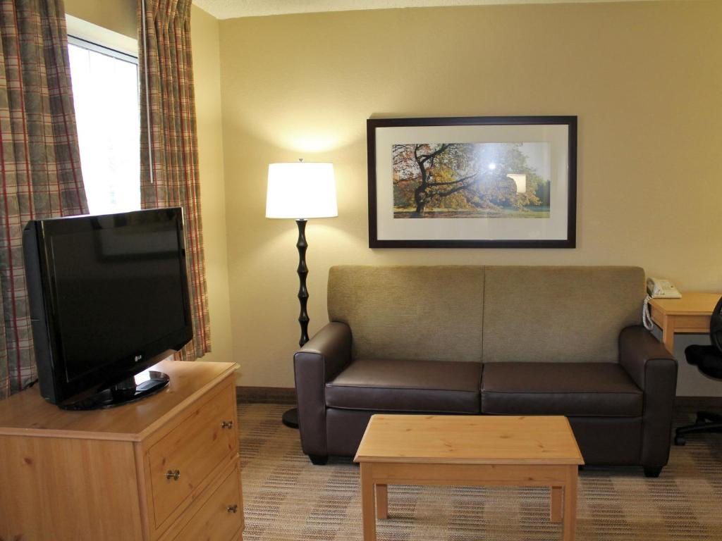 Sala de estar independente Extended Stay America Beachwood N Orange Place