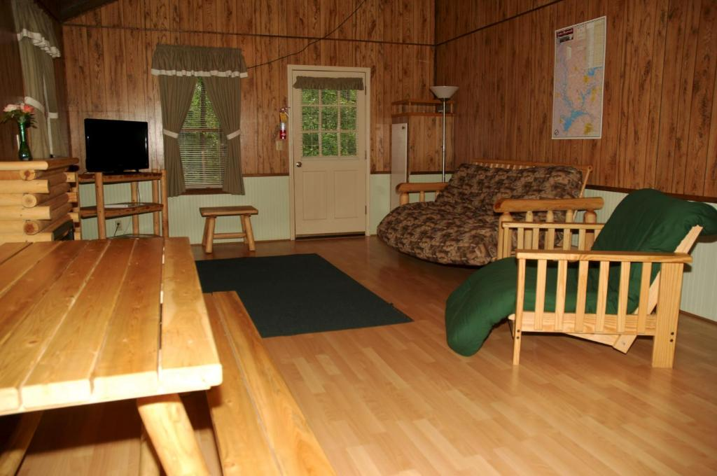 Ver as 6 fotos Carolina Landing Camping Resort Deluxe Cabin 6