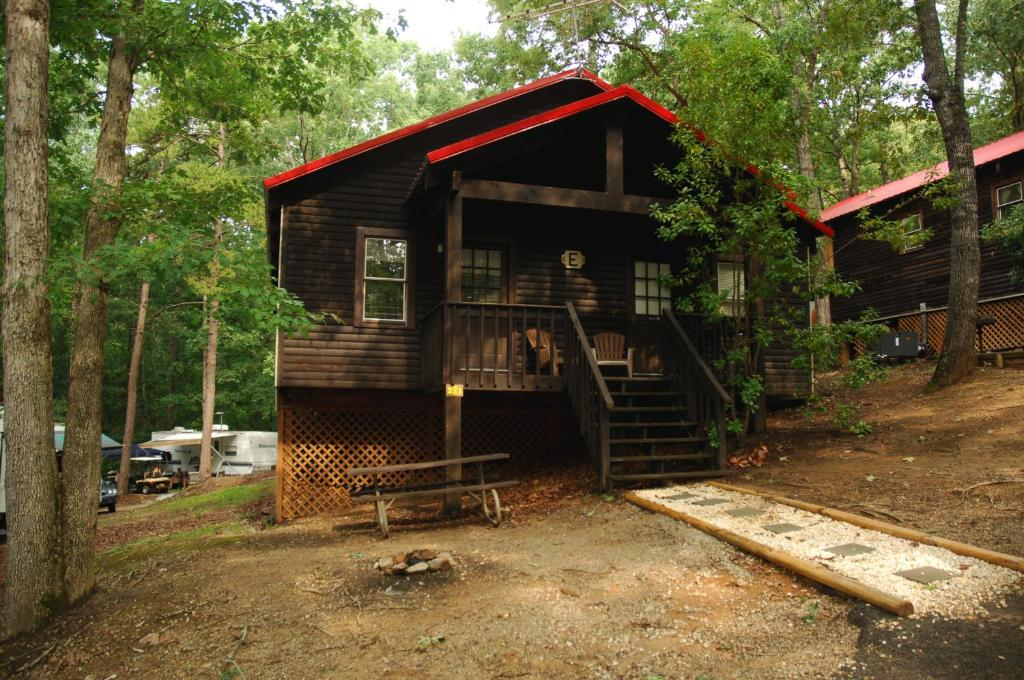 Carolina Landing Camping Resort Luxury Cabin 8