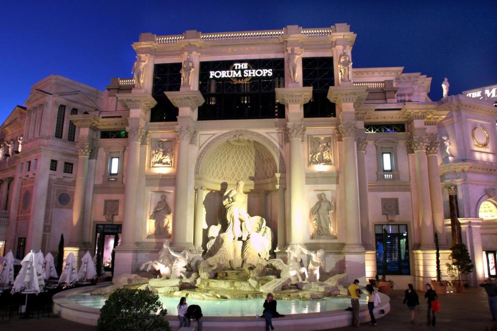 Book Now Caesars Palace Las Vegas (Las Vegas, United States). Rooms Available for all budgets. This luxury hotel and casino on the Las Vegas Strip features celebrity-owned restaurants The Forum Shops an upscale spa and 7 swimming pools. All guest rooms offer a flat-scre