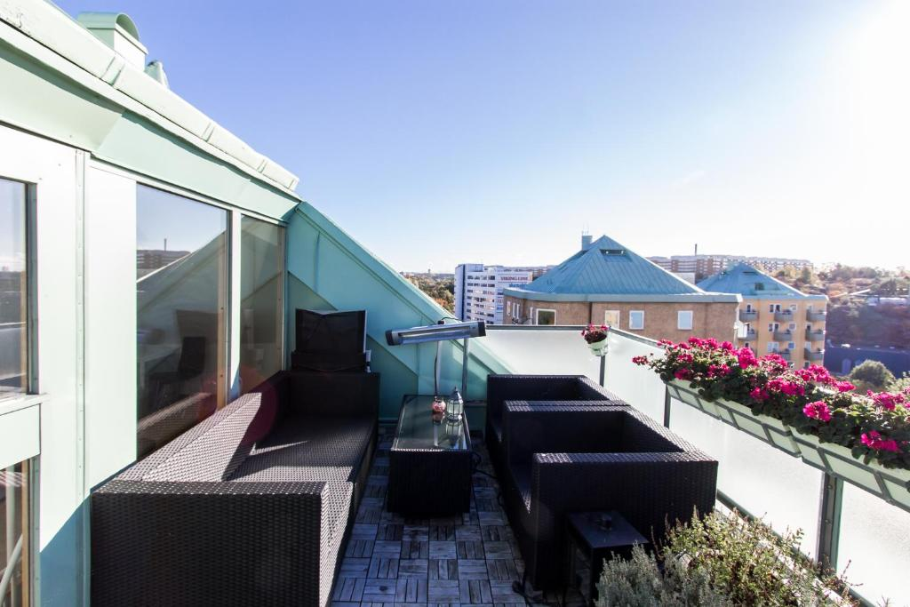 265192f896c6 Best Price on Modern Place With Stunning View and Terrace in ...