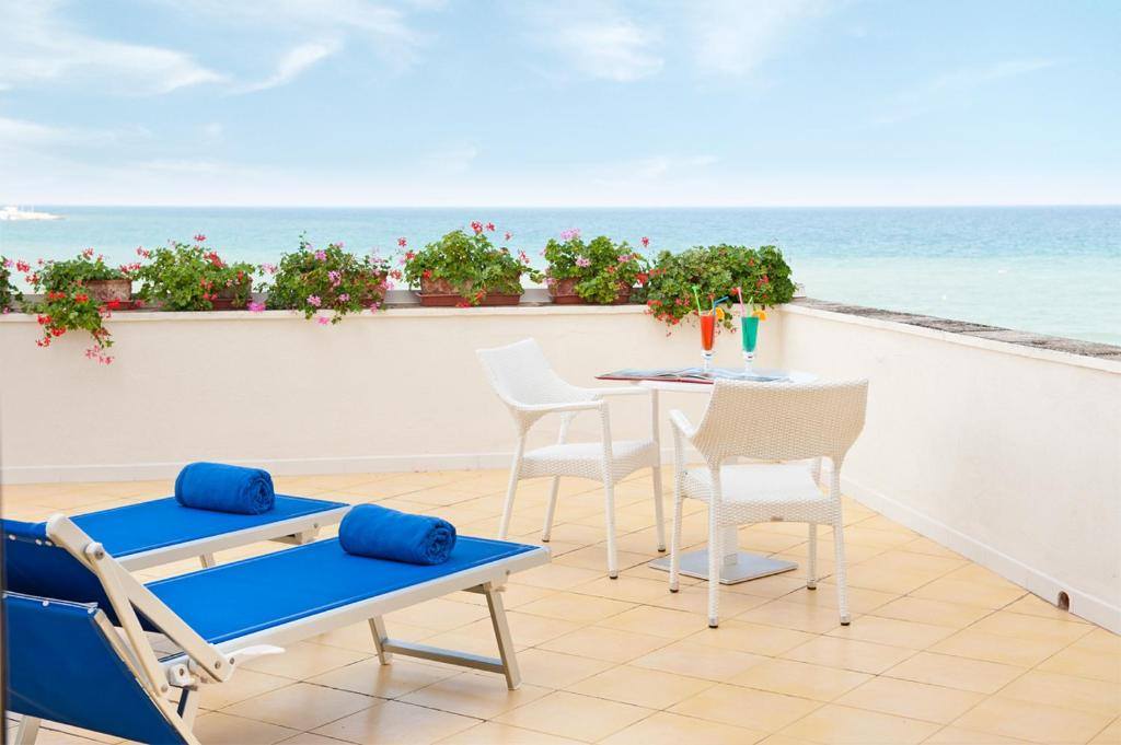 Book Now Hotel Del Levante (Torre Canne, Italy). Rooms Available for all budgets. A splendid palace surrounded by monumental palms and overlooking the sea on a sandy Apulian beach Hotel del Levante was completely refurbished to offer you a yet more pleasant