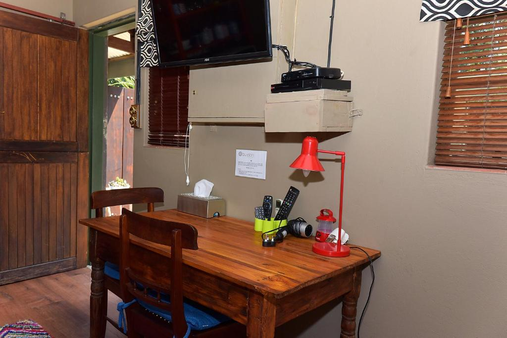 Standard Double Room - Facilities Bwelani Guest House