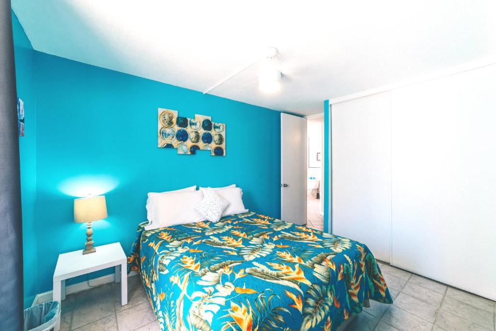 Best Price On 2 Bedroom Condo In The Waikiki Lanais In Oahu Hawaii Reviews