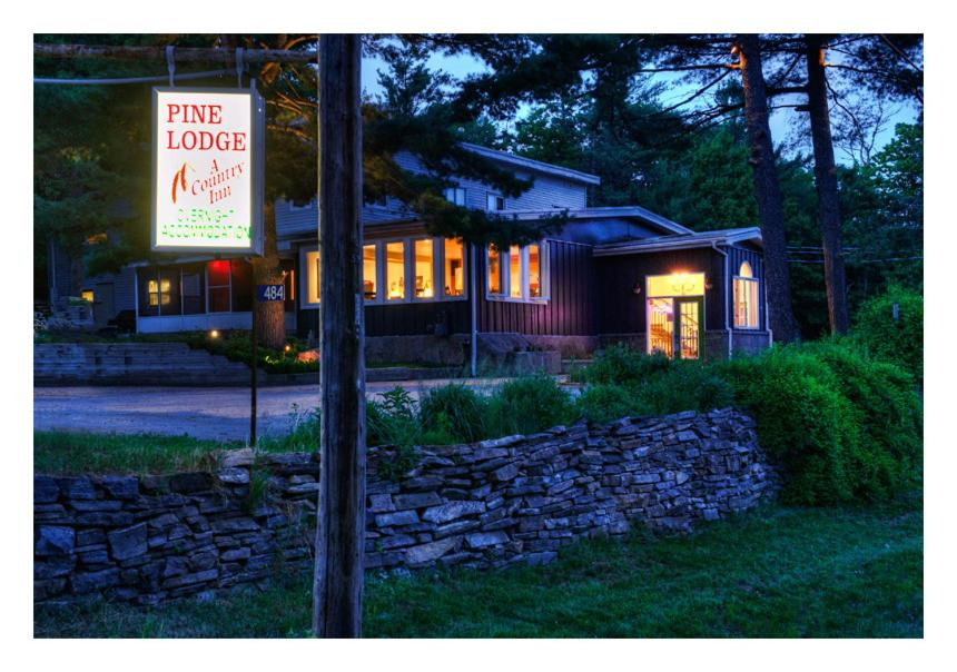 Book Now Pine Lodge Muskoka (Port Sydney, Canada). Rooms Available for all budgets. Situated in the heart of Port Sydney this boutique hotel is just 2 minutes' walk from Mary Lake beach. Free WiFi is available throughout.Each modern room at Pine Lodge Muskoka