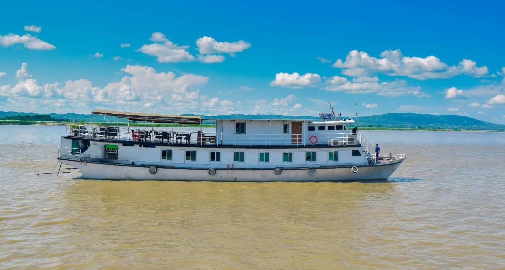 Chindwin Butterfly Privatise Boat (Bagan to Mandalay and around Mandalay) 5-days-4 nights