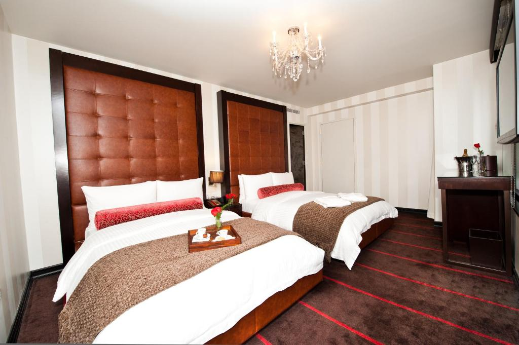 Book Now Sanctuary Hotel New York (New York City, United States). Rooms Available for all budgets. Sanctuary Hotel New York is a luxury boutique hotel located 140 metres from Times Square and within 322 metres of Radio City Music Hall. It offers free WiFi throughout the bui