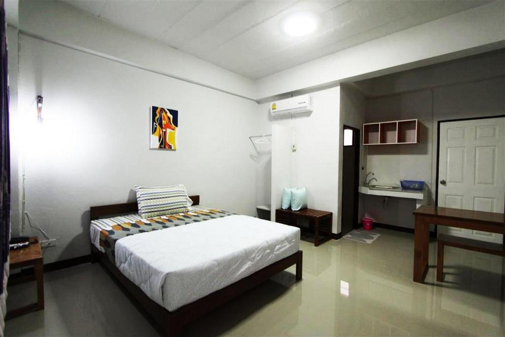 Standard Double Room - Guestroom NIDA Rooms Lamphun Two Summer Village