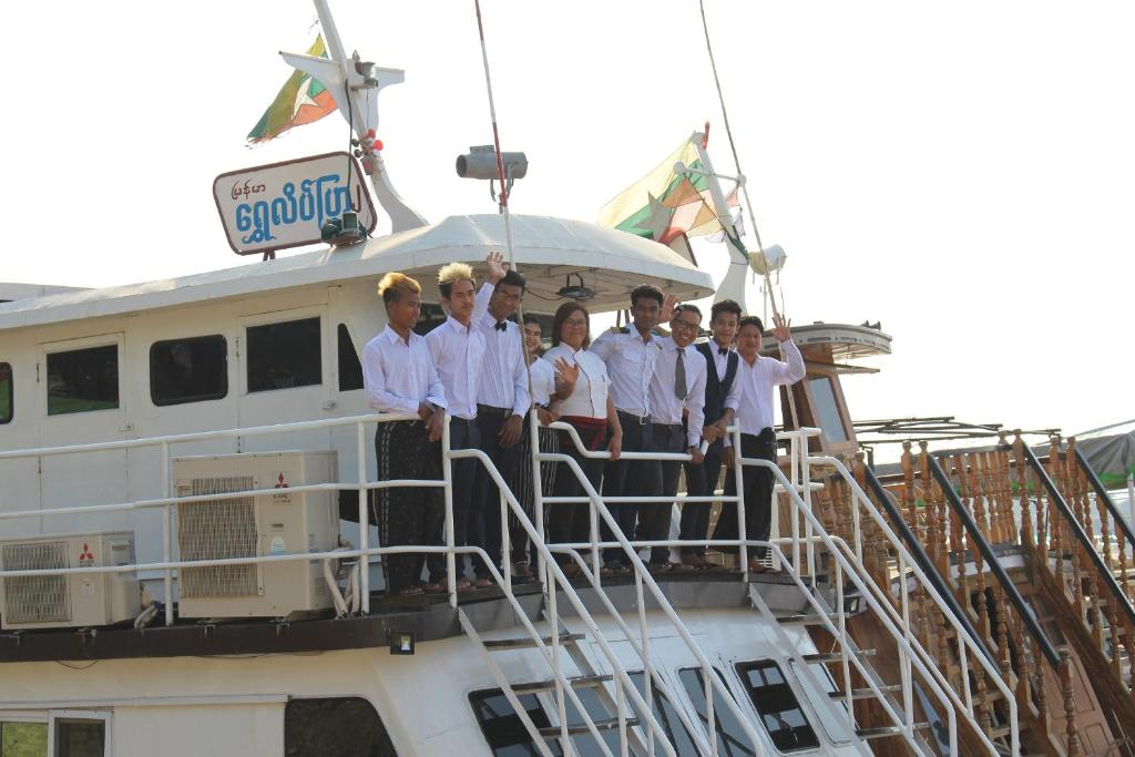 Chindwin Butterfly Privatise Boat (Mandalay - Bagan) 2 Days-1 Night