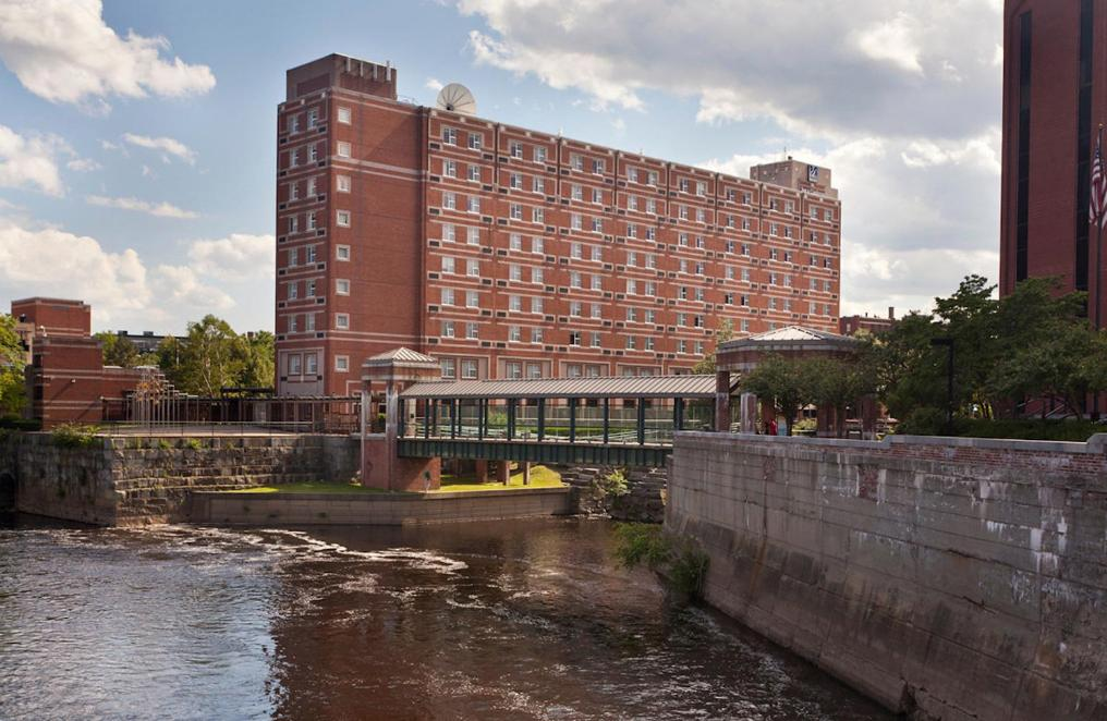 Book Now Umass Lowell Inn And Conference Center (Lowell, United States). Rooms Available for all budgets. Free Wi-Fi on-site dining and event facilities combine with easy access to Lowell's city center at the UMass Lowell Inn & Conference Center. All 31 rooms at the two-story UMas