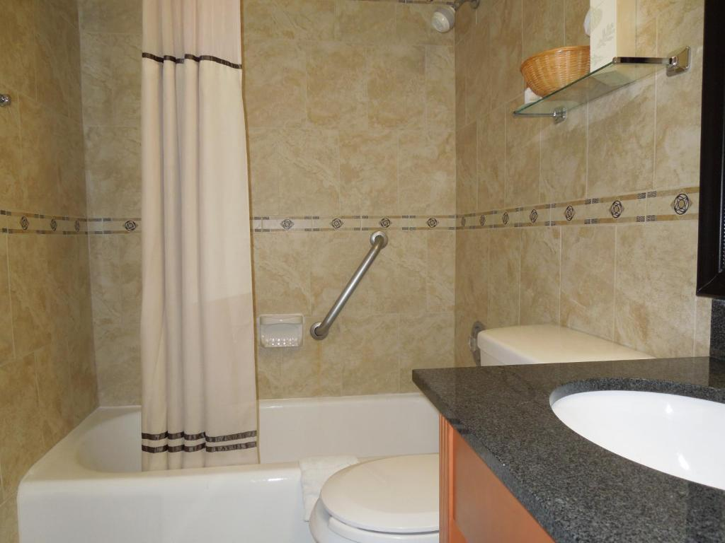 Book Now Days Inn Washington DC Connecticut Ave (Washington, United States). Rooms Available for all budgets. Offering free Wi-Fi and well-appointed rooms adjacent to the University of the District of Columbia the non-smoking Days Inn Washington DC Connecticut Ave is a comfortable and