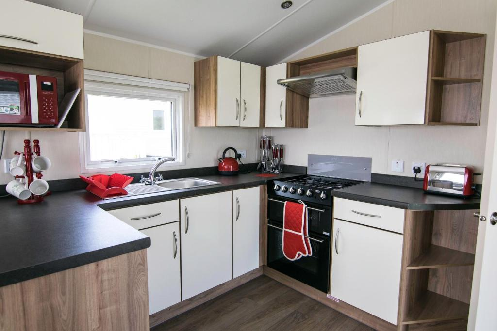 Bude Holiday Resort - Families and Couples Only