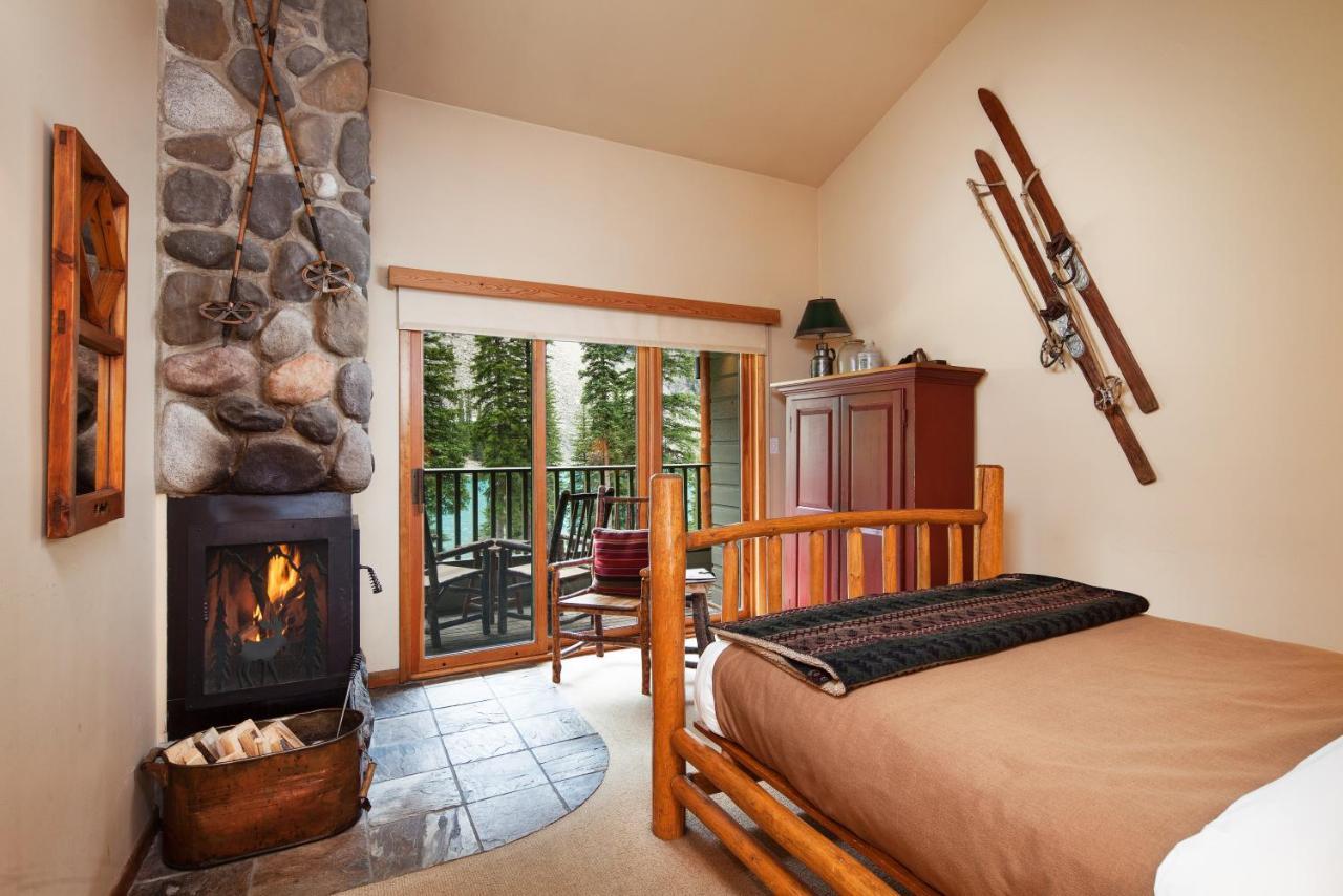 Moraine Lake Lodge Photos Opinions Book Now Lake Louise
