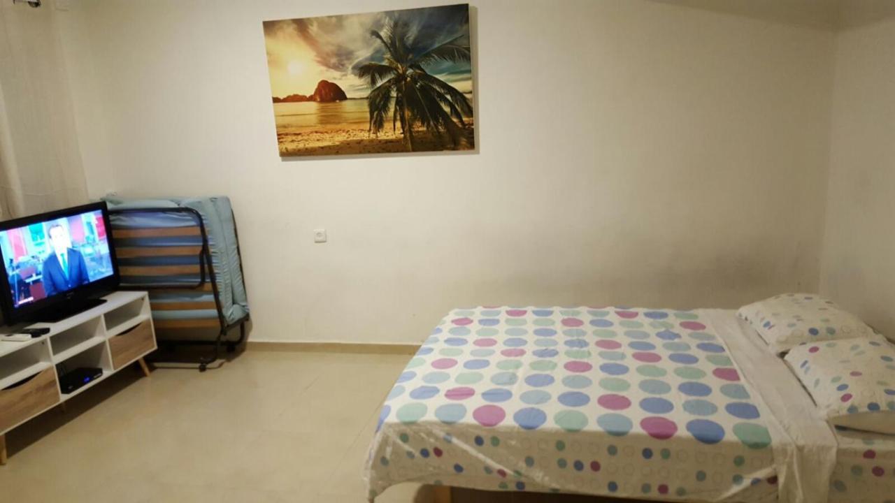Great Studio Apartment On The Beach Bat Yam Israel