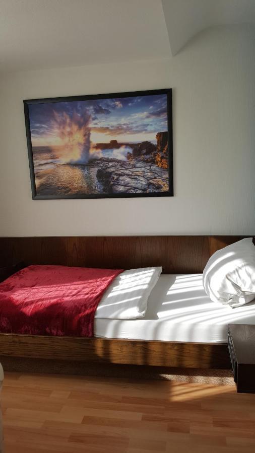 cheap hotels in neuss