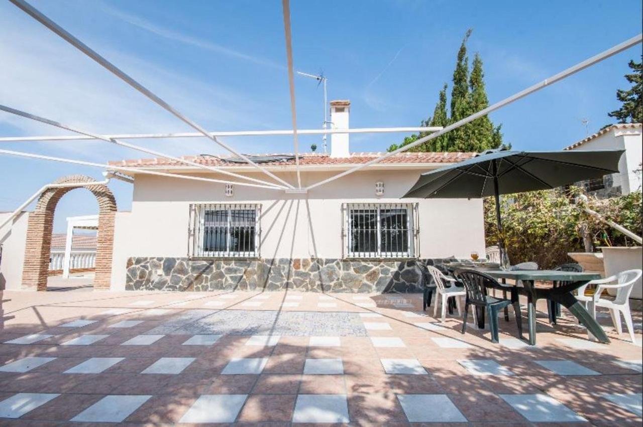 Villa De 3 Habitaciones En Cártama Con Piscina Interior Y
