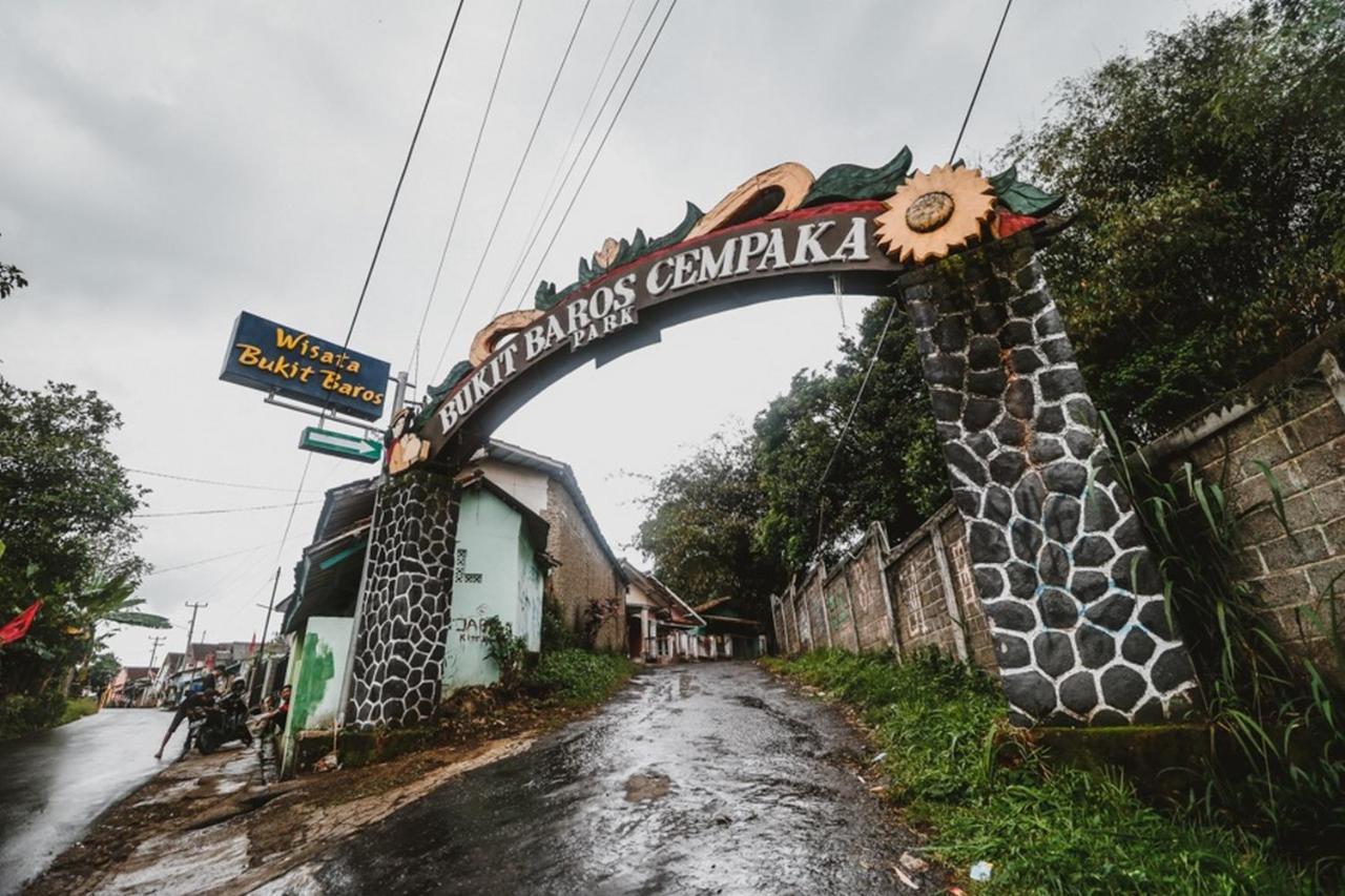 Reddoorz Wisata Bukit Baros Photos Opinions Book Now