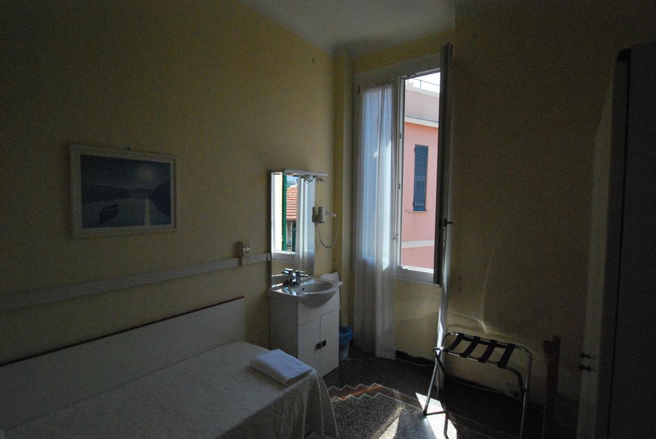 Bagno In Comune Hotel : Camera singola con bagno in comune albergo la vela rapallo