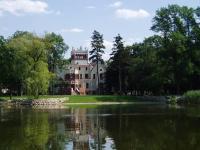 Zamek von Treskov, Hotels - Strykowo