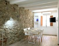 Modern loft in the historical town, Ferienwohnungen - Tossa de Mar