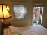 Aberdeen Stone Cottage B&B, Отели типа «постель и завтрак» - Traverse City