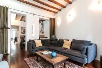 3 Bedroom Apartment Near Las Ramblas