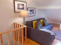 Cozy ATTIC up to 4 guests, Apartmány - Lisabon