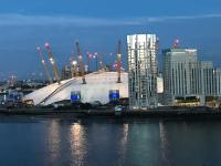 2 Bedroom Apartment @ New Providence Wharf, Ferienwohnungen - London