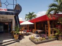 Loo J de Italliano Hotel, Hotely - Tema