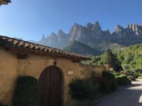 Montserrat La Calsina, Vidiecke domy - Monistrol