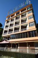 Tashi Gyaltsen, Hotely - Pelling