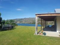 Cromwell Lakeside B n B - Central Otago, South Island, New Zealand