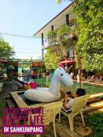 102 Residence, Hotely - San Kamphaeng