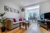 Entire Home in Islington sleeps 4 with garden, Apartments - London