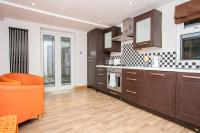 2 Bedroom Apartment in Fulham Sleeps 4, Apartmány - Londýn
