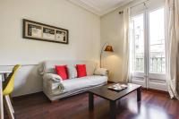 Nice & Comfy 3Bed Sleeps5 near Plaza Catalunya