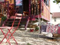 La Roulotte du Granit Doré, Ferienhäuser - Jullié
