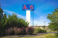 Motel 6 East Brunswick
