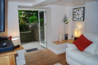 Edinburgh City Centre Garden Apartment