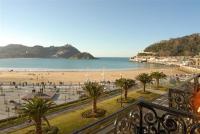 San Sebastian front beach property, Ferienwohnungen - San Sebastián