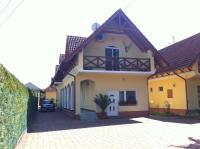Hortenzia Apartmanház, Ferienwohnungen - Balatonlelle